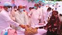 নোয়াখালীতে ওবায়দুল কাদেরের পক্ষ থেকে খাদ্য সহায়তা