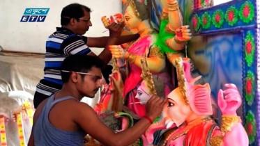 সারাদেশে চলছে শারদীয় দুর্গোৎসবের শেষ সময়ের প্রস্তুতি (ভিডিও)