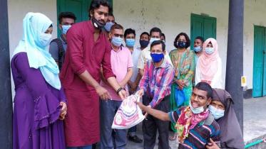 ভোলায় জেলে পল্লীর শিশুদের মাঝে মানবিক সহায়তা প্রদান