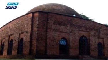 পর্যটকের পদচারণায় মুখর বরগুনার বিবিচিনি শাহী মসজিদ