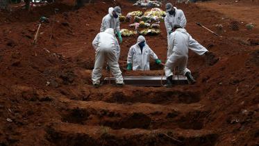 বিশ্বজুড়ে করোনায় আরও ৮ হাজারের বেশি মৃত্যু