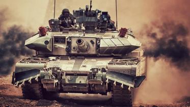 সেনাবাহিনীকে 'অর্জুন ট্যাঙ্ক' দিয়ে ভ্যালেন্টাইন গিফট মোদী'র