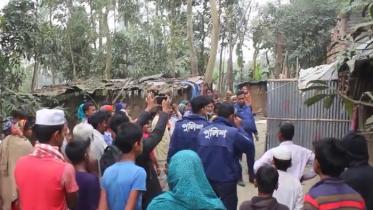 সুন্দরগঞ্জে ভ্যানচালকের বাড়ি দখল করলো জামায়াত নেতা গফ্ফার
