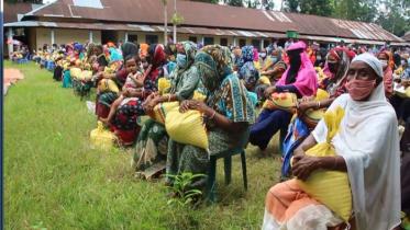 কুলাউড়ায় ৪২০০ পরিবার পেলো খাদ্য সহায়তা