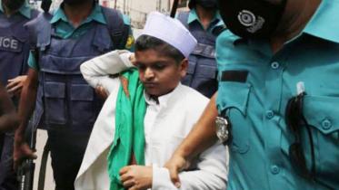'শিশুবক্তা' রফিকুলের বিরুদ্ধে প্রতিবেদন ৩০ মে