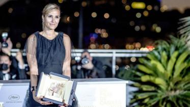 কান চলচ্চিত্র উৎসবের শীর্ষ পুরষ্কার জিতলো 'টিটান'