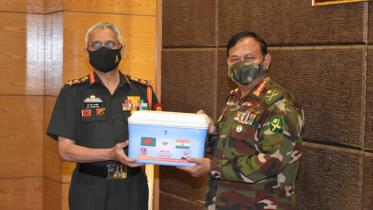 বাংলাদেশ সেনাবাহিনী প্রধানের সঙ্গে ভারতের সেনা প্রধানের সাক্ষাৎ