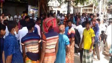 রাজবাড়ীতে দিন মজুর বিক্রির হাটে মানা হচ্ছে না স্বাস্থ্যবিধি