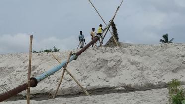 ইজারা চাঁপাইনবাবগঞ্জে বালু উত্তোলন রাজশাহীতে