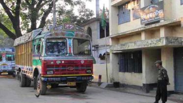 হিলি স্থলবন্দর দিয়ে আমদানি-রফতানি বন্ধের দাবি মেয়রের