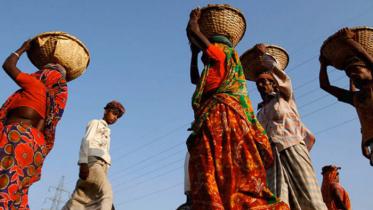 করোনায় শ্রমজীবী মানুষের পাশে দাঁড়ানো সবার দায়িত্ব