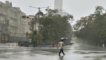 পশ্চিমবঙ্গে বৃষ্টি শুরু, আরও ৭ জেলায় ঝড়বৃষ্টির পূর্বাভাস