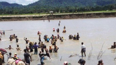 নাফ নদী থেকে ৩ রোহিঙ্গা নারী-শিশুর মৃতদেহ উদ্ধার