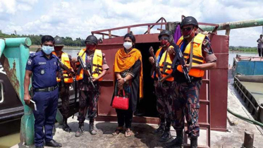 ফেনী নদীতে অবৈধভাবে বালু উত্তোলনের দায়ে ৩ লাখ টাকা জরিমানা