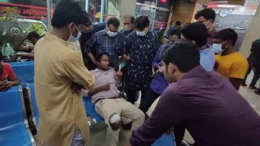 ঢাকা কলেজ শিক্ষার্থীকে দুর্বৃত্তের ছুরিকাঘাত