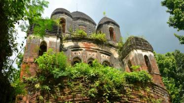 ধ্বংসের পথে সোনাবাড়ীয়ার মঠ মন্দির