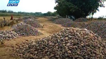 সুনামগঞ্জেচলছে অবৈধভাবে পাথর উত্তোলন (ভিডিও)
