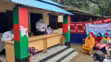ঠাকুরগাঁওয়ের মকছেদ আলীর পরিবারকে ঘর প্রদান