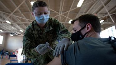 ভ্যাকসিন না নিলে বহিষ্কার : মার্কিন নৌ বাহিনী