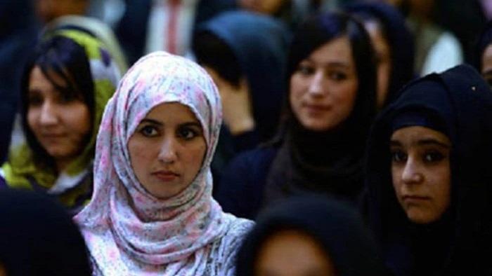 পালিয়ে আসা আফগান নারীরা