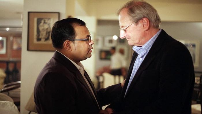 সায়মন ড্রিং-এর সঙ্গে লেখক কাওসার মাহমুদ